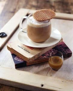 stroopwafel met koffie tstroopwafelhuisje